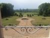 Le jardin depuis une fenêtre du château