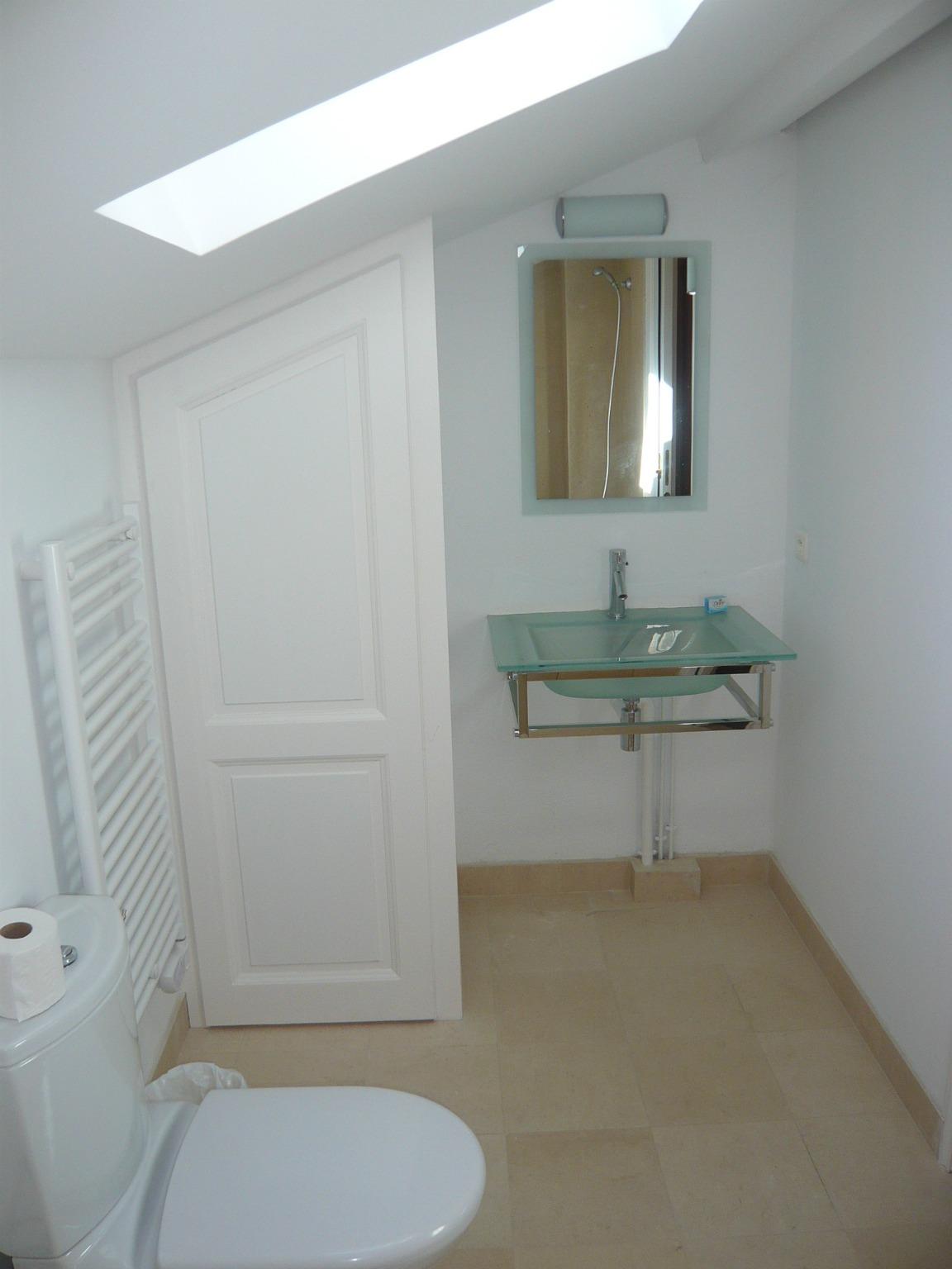 Salle de bain dans un duplex